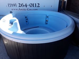 Nordic Hot Tub new for Sale in Colorado Springs, CO