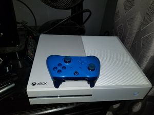 Xbox one 1controller blue no games $195 for Sale in CRYSTAL CITY, CA