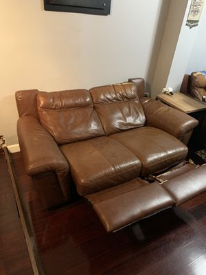 2 leather couches for Sale in Philadelphia, PA