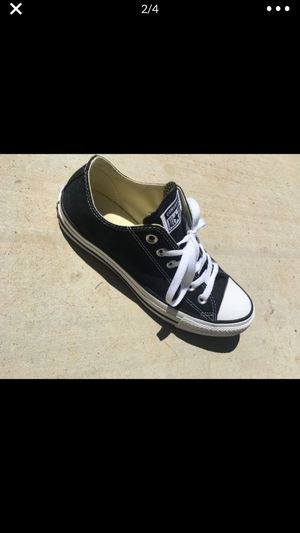 converse black and white for Sale in Apple Valley, CA