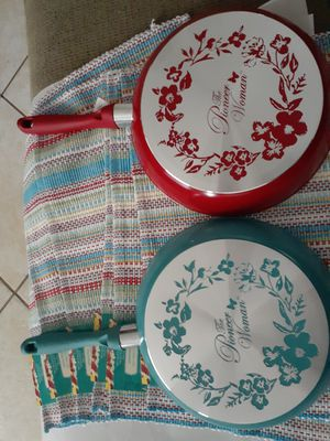 2 pioneer woman nonstick pan for Sale in Ocala, FL