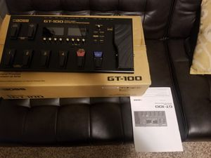 Boss GT-100 Version 2.0 Guitar Effects Processor/ with Gator Effects Pedal bag for Sale in High Point, NC
