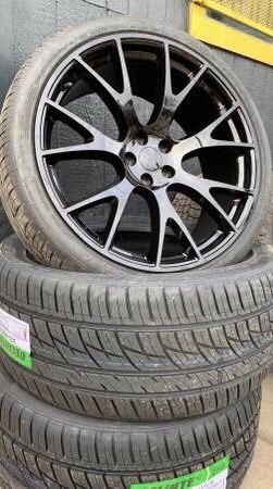 """New 22"""" black hellcat Rims and new tires 22 Hell cat replica Wheels 22s Replicas Rines y Llantas will fit dodge charger , Challenger , Magnum , Chrys for Sale in Dallas, TX"""