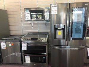 New condition scratch or dent appliances refrigerator dishwasher stove microwave for Sale in Margate, FL