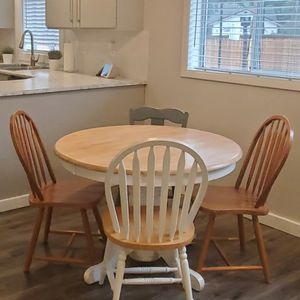 Kitchen Table W/ 4 Chairs And Leaf for Sale in Olympia, WA