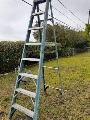 Ladder 8ft for Sale in Houston, TX