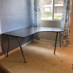 Awesome Desk Great Deal for Sale in Fresno,  CA
