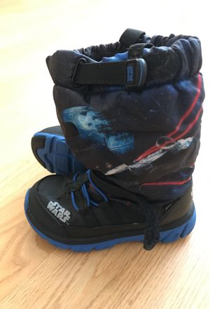 Stride rite Star Wars toddler snow boots size 10 for Sale in Philadelphia, PA