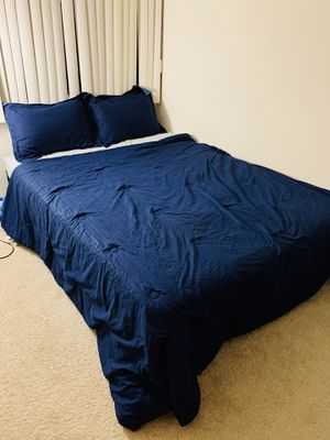 """6"""" queen size hybrid mattress and frame. for Sale in Saint Charles, MO"""