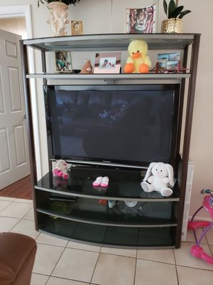 Panasonic 50 inch tv with stand for Sale in Hialeah, FL