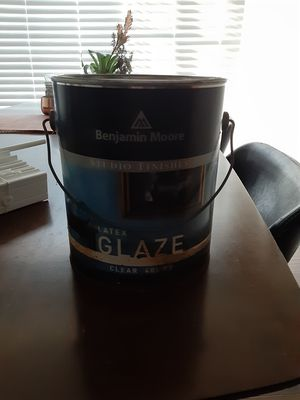 Benjamin Moore latex glaze it gives paint an excellent finish for Sale in West Hollywood, CA