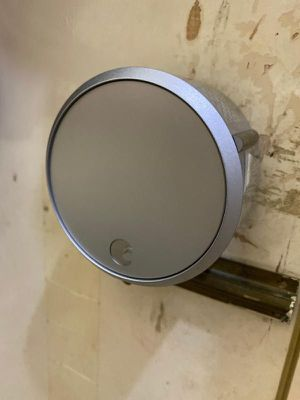 August Home Smart Lock Pro in immaculate condition. Works perfect. for Sale in Vancouver, WA