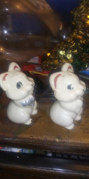 Vintage chipmunkssalt and pepper Walt Disney Productions for Sale in Long Beach, CA