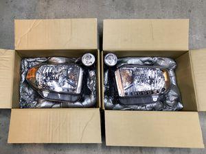 Toyota Tundra OEM Halogen Headlights Fog Lights for Sale in Los Angeles, CA