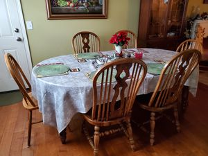 Dining table and chairs for Sale in MONTGMRY, IL