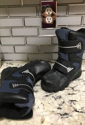 Boys snow boots for Sale in Fresno, CA