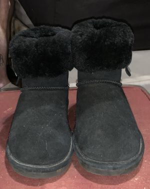 BEARPAW Abby Size 7 Women's Black for Sale in Brookneal, VA