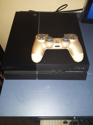 Ps4 with gold dual shock for Sale in Chula Vista, CA