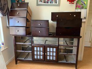 Dressers free for Sale in San Lorenzo, CA