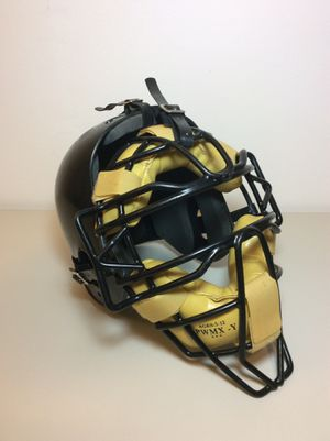adams youth catchers helmet and mask size : 6 5/8 - 6 3/4 for Sale in Mokena, IL