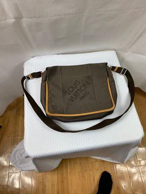 Louis Vuitton bag for Sale in Snellville, GA