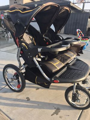 Double jogger stroller for Sale in Bakersfield, CA
