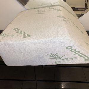 Leg Elevation Pillow for Sale in Miami Gardens, FL