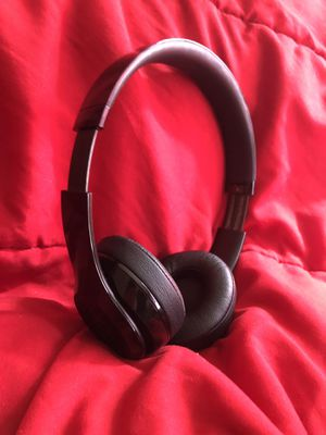 Beats solo 3 wireless for Sale in Burbank, CA