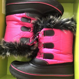 Snow Boots Kids Size 12 for Sale in Corona, CA