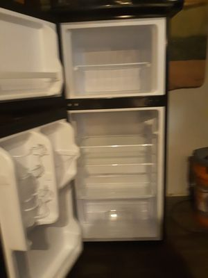 Majic chef small refrigerator for Sale in Rossville, GA