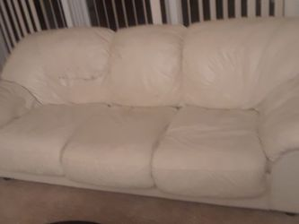 OFF WHITE LEATHER COUCH for Sale in Hollywood,  FL