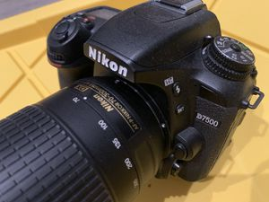 Nikon D7500 body with 70-300mm telephoto, 11,120 shutter count!!! MINT for Sale in La Habra, CA
