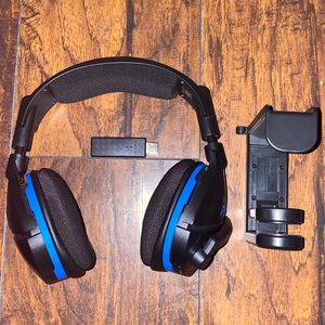 Turtle Beach Stealth 600 Wireless Surround Sound Gaming Headset for PlayStation 5 and PlayStation 4 for Sale in Kissimmee, FL