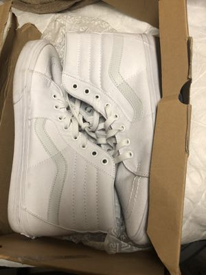 10.5 WHITE HIGHTOP VANS for Sale in Ridgeland, MS