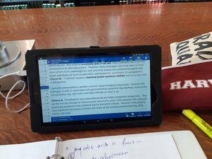 Tablet Amazon Fire HD 10 for Sale in Boston, MA