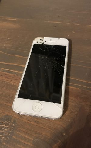 iPhone 5 for parts for Sale in Plumsted Township, NJ