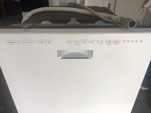 Dishwasher KITCHENAID white for Sale in Orlando, FL