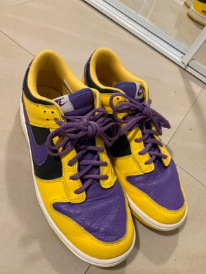 Men's air dunks purple and yellow 11.5 size for Sale in Kissimmee, FL