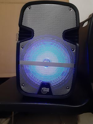 Speakers bluetooth 3000watts brand new in the box for Sale in Miami, FL