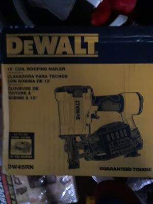 Dewalt 15inch nailing gun for Sale in Romulus, MI