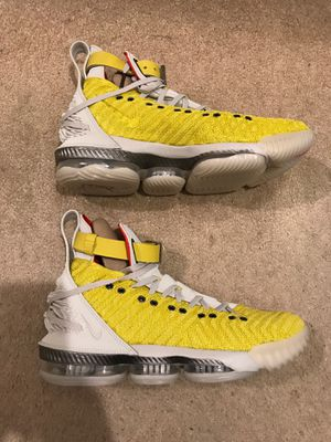 Brand new Nike LeBron James 16 Harlem stage yellow shoes men's 9.5 or 10.5 for Sale in El Cajon, CA