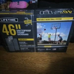 Never Opened Basketball Hoop for Sale in Apple Valley, CA