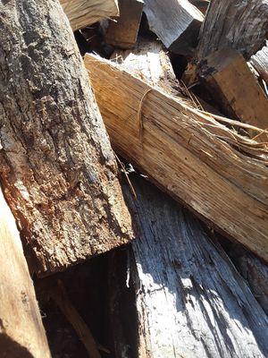 Split seasoned oak fire wood for Sale in Raleigh, NC