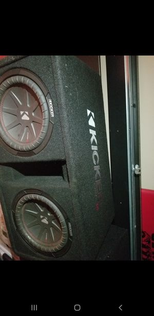 Kicker subwoofer/ Kicker Amp package for Sale in Happy Valley, OR