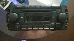 05 durango stock radio for Sale in Columbus, OH