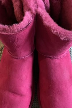 UGG Women's Boots-barely worn. for Sale in Lake Stevens,  WA