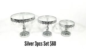 NEW CAKE STANDS 4 COLORS ROUND AND SQUARE for Sale in West Puente Valley, CA