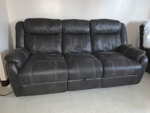 Gray 3 piece sofa set for Sale in Jersey City, NJ