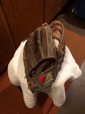 "14"" adult glove for Sale in Cleveland, OH"