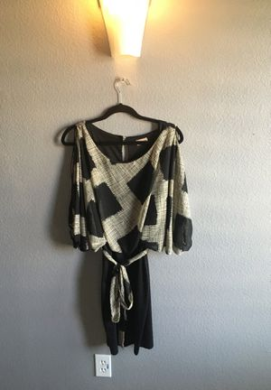 Dress Black and Tan large for Sale in Perris, CA